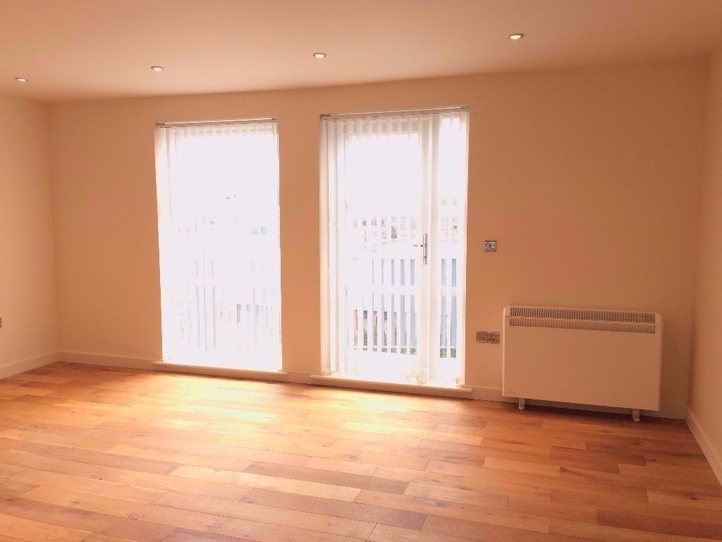 Luxurious - new - Beautiful two bedroom apartment in Chadwell Heath - call now for viewings