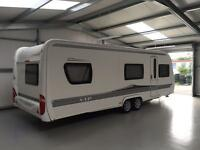 2009 / 2010 HOBBY 640 VIP TWIN AXLE 5 BERTH TOURING CARAVAN *FIXED BED*