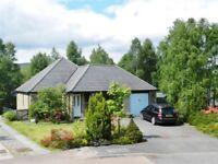 Aviemore - holiday bungalow : 3 bedroom : sleeps 6 - superb location. Near leisure club.