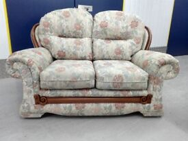 Mint condition floral 2 seater sofa settee part of a suit / free delivery