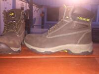 Men's Dunlop safety boots steel toe caps size 6