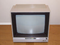 Vintage Commodore 1701 Colour CRT Video Monitor - For Commodore 64, Vic 20, 128