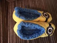 New size 10-12 minion slipper socks FREE