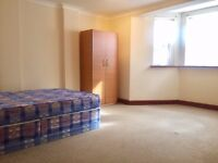 Fantastic 4 bed double bedroom flat with private garden