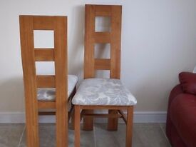 LIKE NEW 4 Oakland Furniture wave back solid oak with fabric dining chairs QUICK SALE WANTED
