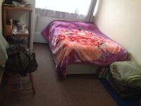 BEAUTIFUL DOUBLE ROOM FOR SINGLE PROFESSIONAL IN HESTON