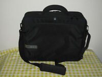 "Laptop Bag Tech Air 3104, 15.6"", twin compartments, air protection and I track Identifier"
