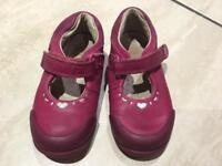 Clarks infant girls shoes size 5.5 F