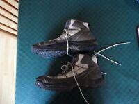 QUECHUA MEN'S HIKING BOOTS – SIZE 8