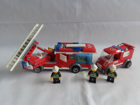 Lego: Fire engine, truck and 3 minifigs - Great christmas present / gift