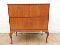 Queen Anne Medium sideboard (Delivery)