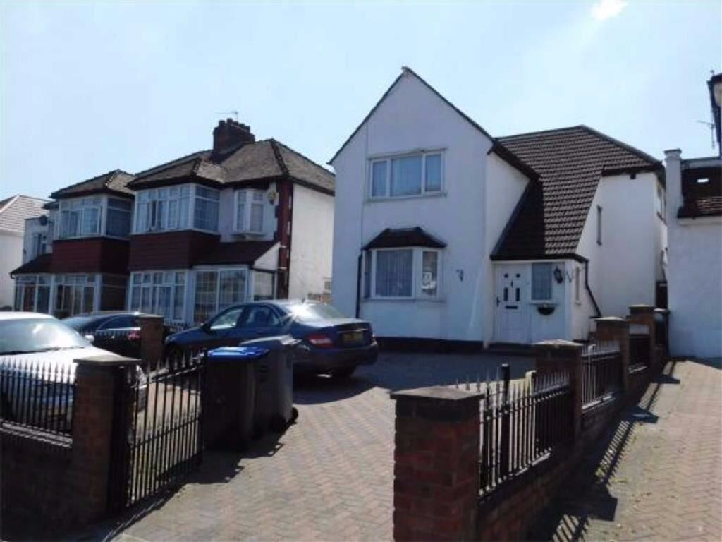 Newly decorated detached 4 bedroom house on Watford Road in Wembley