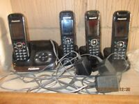 Panasonic answer phone with 4 handsets