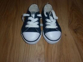 Boys toddler trainers DUNLOP infant size 3 (C3)