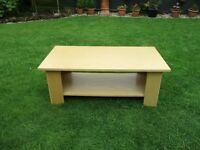 LOVELY COFFEE TABLE ONLY £18