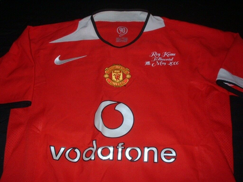 31adeb7334a Manchester United v Celtic Football Medium Mans Roy Keane no16 Testimonial  Shirt