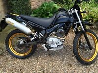 YAMAHA XT125R - excellent condition for year, Full Arrow exhaust system and new clocks