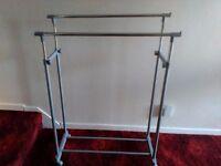 Adjustable double clothes rail,