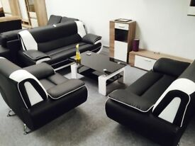 HIGH QUALITY 3 AND 2 SEATER LEATHER SOFA SUITE IN BLACK/WHITE, ALSO CORNER SETTEE AVAILABLE