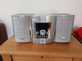 LG audio hi fi system with twin speakers