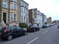 St. Philips Road, Surbiton, 1 Bed Flat £875pcm