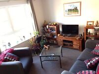 Attractive fully furnished Double room available in modern bright Leith flat