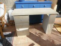 Malibu 3 Drawer Desk in Beech
