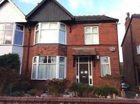 Spacious 2 bedroom flat in Stockport/Heaton Moor. £580 pcm