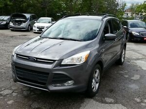 2014 Ford Escape SE Leather seats Panoramic Roof Back camera