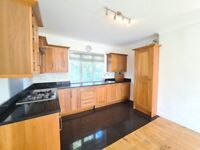 (Glencairn Rd) Well presented 2 bed flat to let in Streatham, spacious loounge,woodfloors,modern.