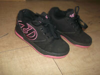 Heelys Girls' Propel 2.0 770291 Sneakers, Black, Size 13. Used but in a very good conditions.
