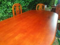 Stunning dining table with 8 chairs