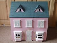 GIRLS DOLLS HOUSE FULLY EQUIPPED EX CONDITION