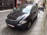 56 PLATE BLACK CHRYSLER GRAND VOYAGER 2006 Automatic STOW & GO NEW MOT LEATHER HEATED SEATS EXTRAS !