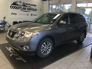 2016 Nissan Pathfinder SV Fully loaded