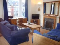 Beautiful very spacious furnished 3 double bed maisonette close to all amenities in Putney SW15