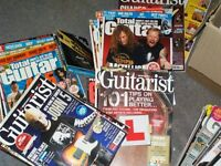 JOB LOT OF GUITAR MAGS SOME WITH CDS