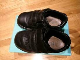 Clarks boys shoes size 8.5H - bargain!!