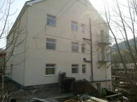 2 bedroom flat in Wattstown