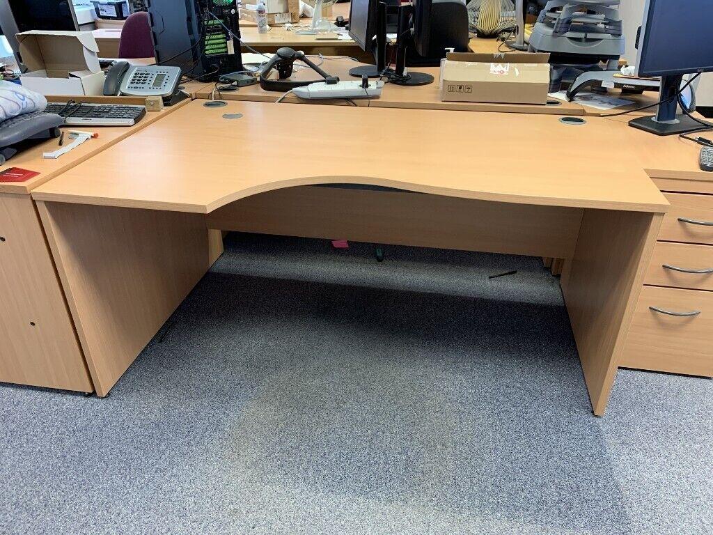 Superb 20 Curved Edge Office Desks In Cambridge Cambridgeshire Gumtree Home Interior And Landscaping Transignezvosmurscom