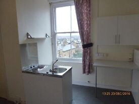 1 Bed Studio Flat to Let - South Side, Scarborough