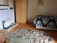 **Available NOW** Large Double Room/Private Balcony/Barents house/Stepney /Mile End/All Bills Inc/