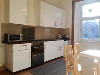 3 Bedroom Flat, Fully furnished, West End, Great Western Road, Glasgow, Near University