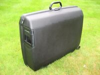 Samsonite Oyster Large Suitcase - New Never Been Used