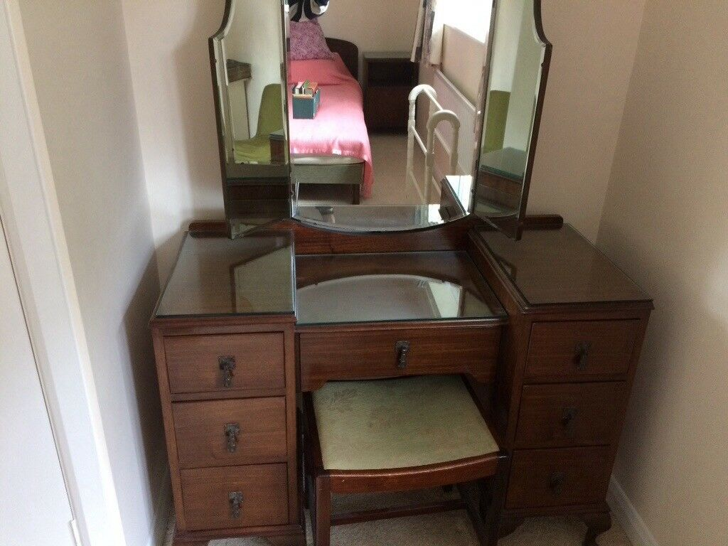 Small Dressing Table With Mirror