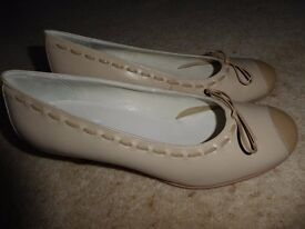 Hotter Size 6 Cream Leather Shoes
