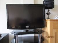 SAMSUNG TV LE37 WITH GLASS STAND
