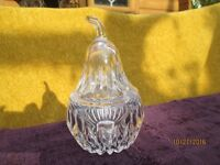 Beautiful Vintage Glass Conserve pot.