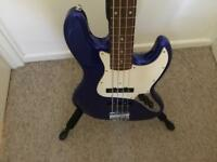 Fender squire jazz bass with tweed hard case