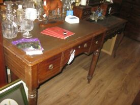 VINTAGE LEATHER TOPPED, 3 DRAWER ATTRACTIVE DESK
